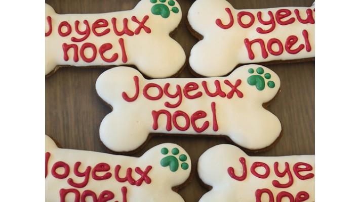Biscuit pour chien joyeux noel emballé individuellement dans un célophane